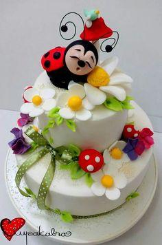 chocolate mug cake microwave Pretty Cakes, Cute Cakes, Beautiful Cakes, Amazing Cakes, Cake Decorating Videos, Cake Decorating Techniques, Fondant Cakes, Cupcake Cakes, Ladybug Cakes