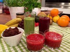 Mange barn får i seg altfor mye sukker i hverdagen. Wenche og Berit Nordstrand lagde søtt og godt uten sukker! Kiwi, Lchf, Sugar Free, Smoothies, Watermelon, Food And Drink, Pudding, Fruit, Health