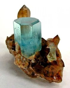 Mineralienatlas Lexikon - Aquamarin