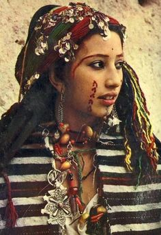 Moroccan Berber Amazigh Woman.  In another life and world, this is me.  I would like to please go back now!!