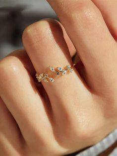 Hand Jewelry, Dainty Jewelry, Simple Jewelry, Womens Jewelry Rings, Cute Jewelry, Women Jewelry, Jewelry Art, Diamond Jewelry, Silver Jewelry