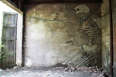 Is this the most innovative Street Art pieces ever? Check out what happens to these paintings over time :O