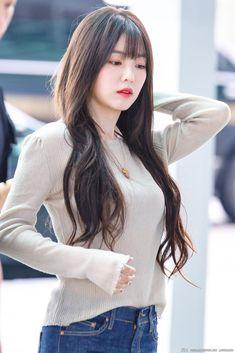 Red Velvet Irene at Incheon Airport to Hong Kong Red Velvet アイリーン, Irene Red Velvet, Seulgi, Korean Beauty, Asian Beauty, Korean Girl, Asian Girl, Korean Women, Poses
