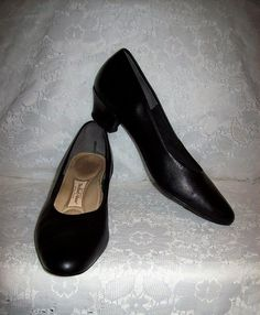 e3fad6f696a Vintage Black Leather Pumps Hush Puppies All Day Pump Size 8 1 2 NARROW  Only 8 USD