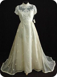 Wonderful Daisy Lace 1960s Vintage Wedding Gown By Priscilla Of Boston