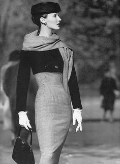 Evelyn Tripp in Mainbocher for Vogue, March 1956