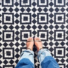 Latergram of the pretty tiles at @fultonmarketkitchen in Chicago where I got to eat and hang out with the sweetest and super inspiring @swopes and @chicagofoodauthority. ❤️