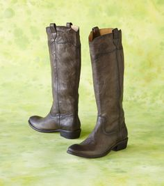 Cosmopolitan meets country in expertly crafted leather riding boots from Frye~~love them!!