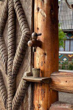 Traditional wooden #gate in #Maramureș, North #Romania.