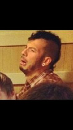 uM A DERPY PICTURE OF JOSH THAT I HAVENT SEEN?