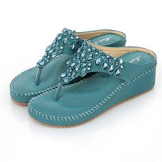 Korean Scrubs Bohemia Low Heel Fashion Sandals For Women Crystal Flipflop Heel Height * New and awesome product awaits you, Read it now : Jelly Sandals Jelly Shoes, Jelly Sandals, Flip Flop Sandals, Shoes Heels Boots, Women's Shoes Sandals, Heeled Boots, Low Heels, Wedge Heels, Womens Flip Flops