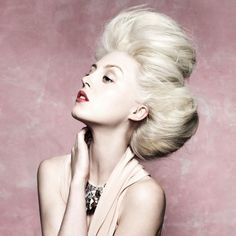 Quiff updo hairstyle, seriously this bouffant is amazing