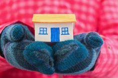 Come risparmiare sul riscaldamento domestico: le 7 eco-regole Arriva l'inverno e con questo anche il riscaldamento: è bene imparare tanti piccoli trucchetti per risparmiare sulla bolletta, sulla salute e sulle risorse del Pianeta  Leggi l'articolo qui: http://www.stilenaturale.com/news/1781/Come_risparmiare_sul_riscaldamento_domestico_le_7_eco-regole.html