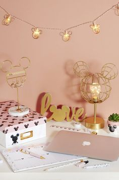 Disney decor bedroom - New Mickey's House collection from Primark is magically Disney Disney Diy, Disney Merch, Deco Disney, Disney Home Decor, Disney Crafts, Cute Disney, Disney Room Decorations, Disney Lamp, Mickey Mouse Room
