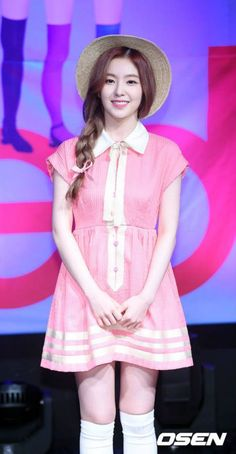 Irene from Red Velvet Seulgi, Daegu, Rapper, Red Velvet Irene, Velvet Fashion, Stage Outfits, Kawaii, Red S, Korean Girl Groups