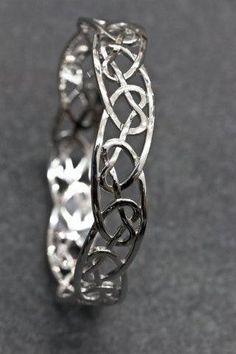 Celtic Jewellery | Heart knot Bangle | Stirling Silver | Pendant | knots | Celtic My Way | Silver | Jewellery