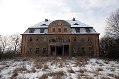 Manor Houses, Abandoned Mansions, Ghost Towns, Eastern Europe, Decay, Castles, Palace, Country, House Styles