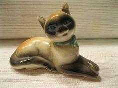 Vintage Goebel Siamese Cat Blue Eyes and Ribbon