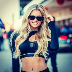 The futures so bright.you gotta wear shades! from - I see… Monster Energy Girls, Monster Girl, Race Car Girls, Pit Girls, Promo Girls, Umbrella Girl, Female Athletes, Sexy Outfits, Lady