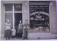 Mijn overgrootouders, mijn oma en oom in 1919