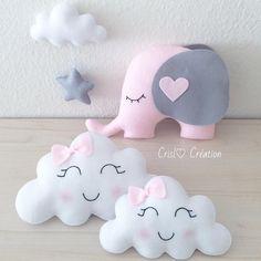 Mom and baby cloud # cloud # elephant # cloud # cushion # cushion # felt # feltro # girl # gro . Cute Pillows, Baby Pillows, Kids Pillows, Baby Crafts, Felt Crafts, Diy And Crafts, Kids Crafts, Diy Bebe, Baby Mobile