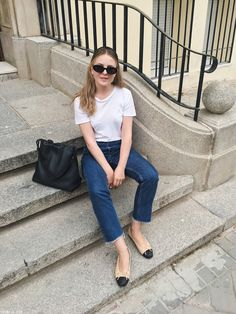 Everyday simplicity - Part 9 Chanel Ballerina Flats, Ballet Flats Outfit, Chanel Flats, Minimal Fashion, Work Fashion, Cute Fashion, Fashion Outfits, Extra Petite, Minimalist Outfit Summer
