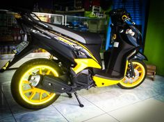 Yellow Hyper Spectrum Motorcycle Rim Stickers!  World's first conformable rim tapes! Brightest in the world!  www.hyperspectrum.net #HyperSpectrum #Hyper #Spectrum #Reflective #RimTape #Tron #Motorcycle #Car #Bicycle #Kawasaki #Suzuki #Yamaha #Ducati #HarleyDavidson #BMW #KTM #Aprilia #InstaBike #InstaMoto #Bikestagram #BikersLifestyle #MotorcyclePorn #Biker #Racing #RideSafe