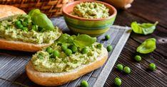 Hráškovo-vajíčková nátierka - dôkladná príprava krok za krokom. Recept patrí medzi tie najobľúbenejšie. Celý postup nájdete na online kuchárke RECEPTY.sk. Salmon Burgers, Avocado Toast, Spreads, Pesto, Baked Potato, Cantaloupe, Healthy Recipes, Healthy Food, Potatoes