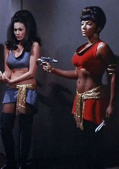 "Marlena Moreau (Barbara Luna) and Lt. Uhura (Nichelle Nichols) - Star Trek: The Original Series ""Mirror, Mirror"" (First Broadcast: October Star Trek 1966, Star Trek Tv, Star Trek Ships, Star Wars, Mirror Universe, Nichelle Nichols, Star Trek Cosplay, Paddy Kelly, Star Trek Images"
