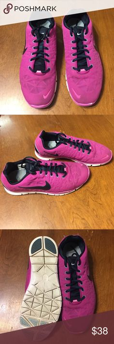 Nike Free 5.0 in Fusia Gently loved, Nike Free 5.0 shoes! Very comfy! SIZE 9. Nike Shoes Athletic Shoes