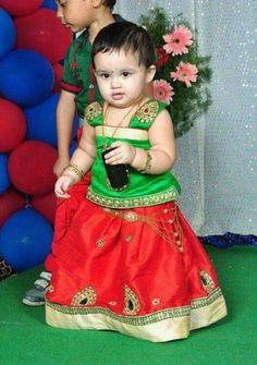 Kids lehengas Kids Dress Wear, Dresses Kids Girl, Baby Dress, Girl Outfits, Baby Lehenga, Kids Lehenga, Kids Girls, Cute Girls, Traditional Dresses Designs