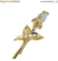 Clear Rhinestone Rose Bud Flower Brooch Vintage by MyVintageJewels #vintage #brooch #rhinestone #rose #jewelry #fashion