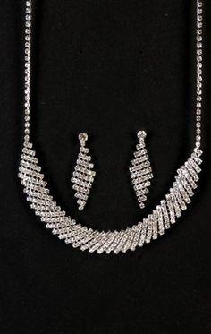 Jewelry multiple row rhinestone set $6.20