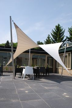 Design overkapping. rokersoverkapping zonnezeil terrasdoek zonwering