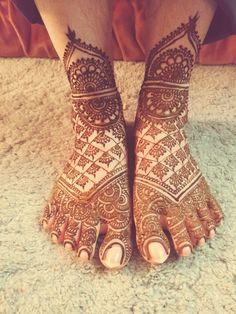 Mehendi for feet at nasrinhennadesign Mehendi, Fingerless Gloves, Arm Warmers, Cowboy Boots, Shoes, Fashion, Fingerless Mitts, Moda, Shoe