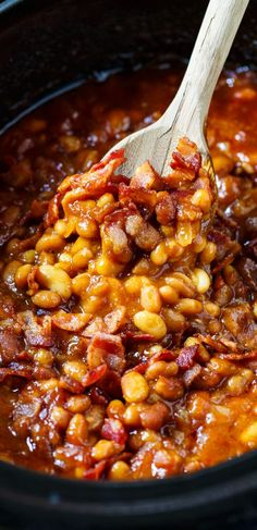Slow Cooker Bourbon Baked Beans - Spicy Southern Kitchen Slow Cooker Baked Beans, Bbq Baked Beans, Slow Cooker Recipes, Crockpot Recipes, Cooking Recipes, Bourbon Baked Beans Recipe, Baked Beans Crock Pot, Smoker Recipes, Grilling Recipes
