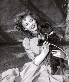 /Natalie-Wood.     1950s    Valentino Vamp