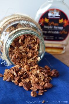 Cinnamon-Maple Granola- I used c maple syrup, a couple of tbsp of honey, and c unsweetened apple sauce with the 2 tbsp of canola- turned out great! Entree Recipes, Brunch Recipes, Breakfast Recipes, Dessert Recipes, Brunch Foods, Yummy Recipes, Maple Granola Recipe, Good Food, Yummy Food