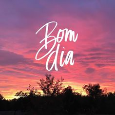 designroots | When you wake up to a beautiful sunrise like this you know it's going to be a good day! Bom dia everyone!  #designroots #brushlettering #thedailytype #typespire #portuguese