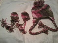 Cameo hat and mittens