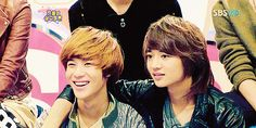 (gif) Taemin and Minho adorableness