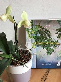 Sarah J. Loecker  : Book review- Blütenträume- Inspiration for flower ... Botanical Art, Botanical Illustration, Orchid Leaves, Book Reviews, Love Flowers, Art Blog, Drawing Ideas, Orchids, Bouquet