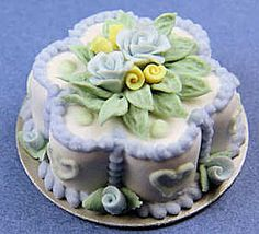 Miniature cakes and pies