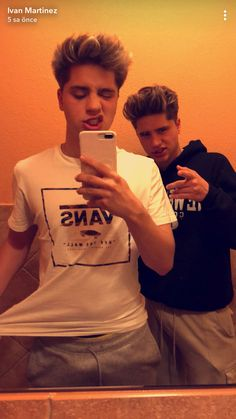 Martinez Twins Snapchat, Martinez Twins Wallpaper, Martinez Brothers, Emilio And Ivan Martinez, Martenez Twins, Twin Models, Cute White Boys, Cute Celebrities, Cute Guys