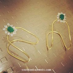 Gold Vanki from Parnicaa,i want ds in my jwell box Kids Gold Jewellery, Real Gold Jewelry, Gold Jewellery Design, Kids Jewelry, Trendy Jewelry, Indian Jewelry, Jewelry Shop, Fashion Jewelry, Baby Jewelry