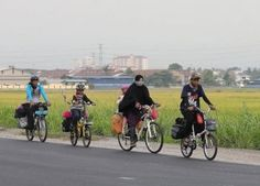 A family of five Indonesian Muslims have embarked on a lengthy cycling journey of km. to Makkah to perform hajj. Journey To Mecca, Family Of Five, Bond, Islam, Cycling, Biking, Bicycling, Ride A Bike