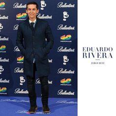 Jorge Ruiz vocalista del grupo @malditanereaoficial acudió con total look Eduardo Rivera a la gala de @los40principales.  Podrás adquirirlo en nuestra web www.eduardorivera.es y en cualquiera de nuestras tiendas. #eduardorivera #madrid #malditanerea #shoponline by eduardoriveraes