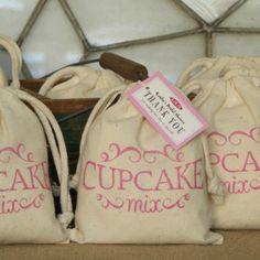 Stylish Giving: Vintage Inspired Cupcake Mix Favors Cupcake Favors, Cupcake Mix, Tea Party Favors, Fun Cupcakes, Cupcake Party, Party Gifts, Handmade Wedding Favours, Edible Wedding Favors, Wedding Gifts