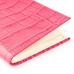 Bethge | Pink leather with an alligator-style.