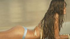The Trailer to the 2015 Miss Reef Calendar is extremely sharp. To be precise, you can enjoy it in 4K...